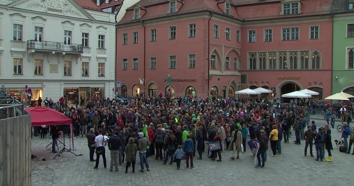 Demonstration gegen Pegida-Kundgebung in Regensburg